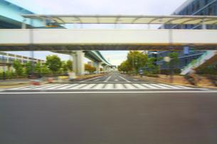 街並み 走行車両よりの写真素材 [FYI04792784]