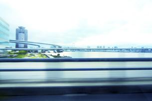街並み 走行車両よりの写真素材 [FYI04792818]
