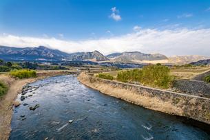 南阿蘇村の白川の写真素材 [FYI04793527]