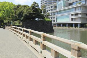和田倉濠の和田倉橋の写真素材 [FYI04793645]
