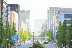 昭和通り日本橋一丁目の街並みの写真素材 [FYI04793669]