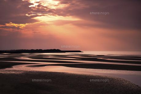 真玉海岸の夕日の写真素材 [FYI04793762]