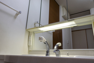 洗面化粧台の写真素材 [FYI04794782]