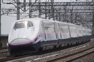 東北新幹線 E2系新幹線電車の写真素材 [FYI04794887]