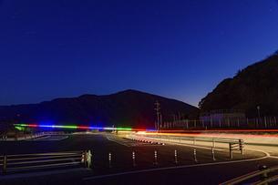 新阿蘇大橋『復興への光の架け橋』ライトアップ2021年2月の写真素材 [FYI04795044]