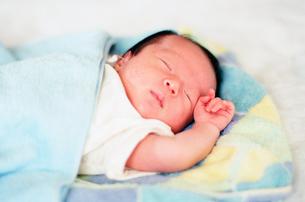 赤ちゃんの写真素材 [FYI04795355]