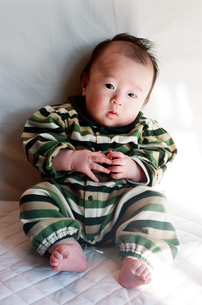 赤ちゃんの写真素材 [FYI04795401]