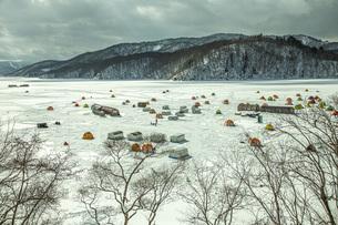 冬の桧原湖の写真素材 [FYI04795477]