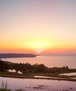 山口県 風景 日本海夕景 の写真素材 [FYI04795731]