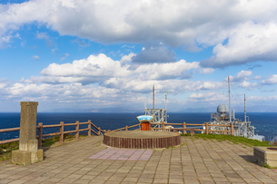 龍飛崎から望む津軽海峡と北海道の写真素材 [FYI04795815]