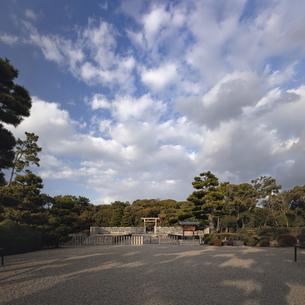 仁徳天皇陵古墳拝所。の写真素材 [FYI04795881]