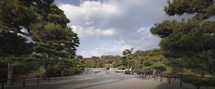 仁徳天皇陵古墳拝所。の写真素材 [FYI04795882]