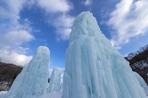 北海道冬の風景 支笏湖の氷濤まつりの写真素材 [FYI04796826]