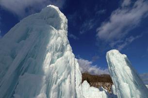 北海道冬の風景 支笏湖の氷濤まつりの写真素材 [FYI04796829]