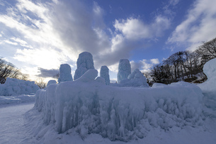 北海道冬の風景 支笏湖の氷濤まつりの写真素材 [FYI04796832]