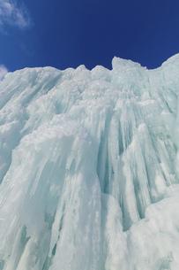 北海道冬の風景 支笏湖の氷濤まつりの写真素材 [FYI04796839]