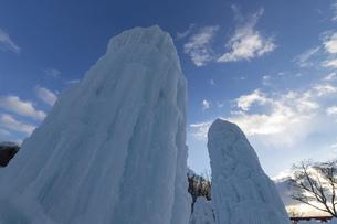 北海道冬の風景 支笏湖の氷濤まつりの写真素材 [FYI04796843]