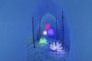 北海道冬の風景 支笏湖の氷濤まつりの写真素材 [FYI04796844]