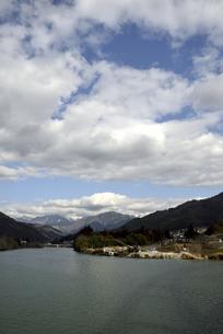 大桑村から見た中央アルプスの写真素材 [FYI04797126]