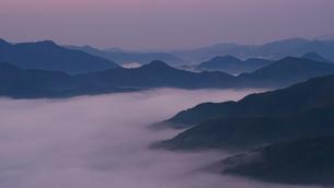 丹波 雲海の写真素材 [FYI04797872]