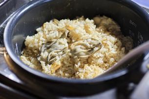 カキの炊き込みご飯の写真素材 [FYI04797909]