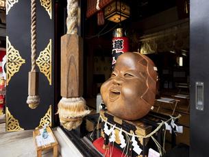 鷲神社のなでおかめ 東京都の写真素材 [FYI04798718]