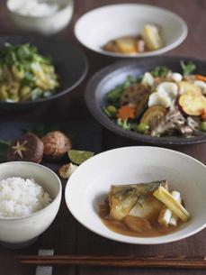 鯖の味噌煮定食の写真素材 [FYI04798802]