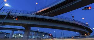 東京都 有明ジャンクションの夜景の写真素材 [FYI04798926]