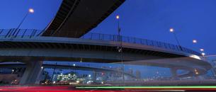 東京都 有明ジャンクションの夜景の写真素材 [FYI04798927]