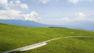 夏の霧ケ峰高原の写真素材 [FYI04799181]