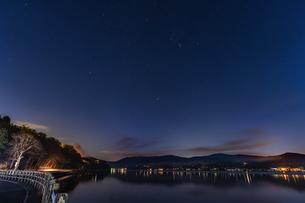 山中湖の星空の写真素材 [FYI04799215]