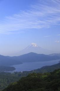 芦ノ湖と富士山の写真素材 [FYI04799533]
