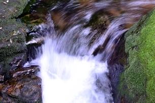 赤目四十八滝,清流の斧ヶ渕の写真素材 [FYI04799895]