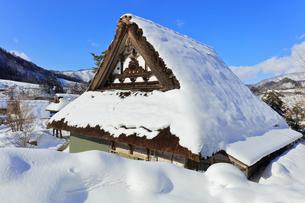 冬の白川郷の写真素材 [FYI04799920]
