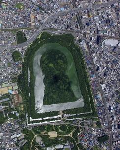 仁徳天皇陵古墳の真俯瞰。の写真素材 [FYI04799932]
