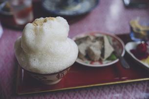沖縄県で飲まれる振り茶、沖縄の名物「ブクブク茶」の写真素材 [FYI04800175]