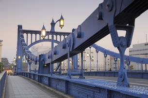 清洲橋夕景の写真素材 [FYI04800193]