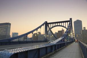 清洲橋夕景の写真素材 [FYI04800195]