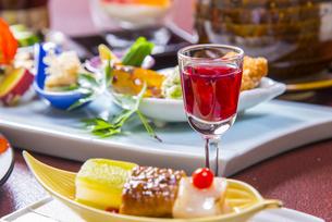 食前酒と和食の写真素材 [FYI04800353]