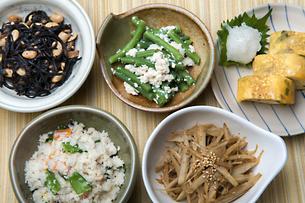 和食小鉢の写真素材 [FYI04800377]
