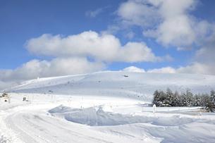 真冬の車山高原 車山気象レーダー 真冬 信州 ビーナスラインの写真素材 [FYI04800487]