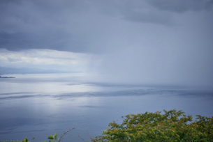 夏の夕立 海 夏の写真素材 [FYI04802449]