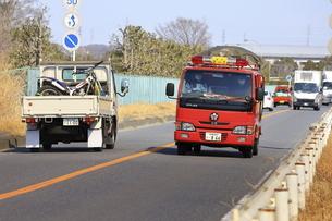 出動する消防車の写真素材 [FYI04802764]