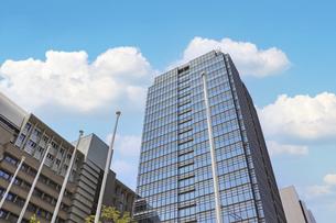 街の高層ビルの写真素材 [FYI04803556]