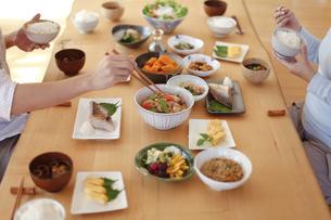 和食の食事、日本の食事、の写真素材 [FYI04803641]