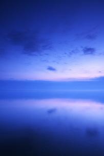 根室湾の朝の写真素材 [FYI04803956]