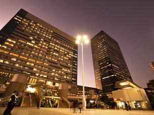 夕暮れの品川駅 東京都の写真素材 [FYI04804155]