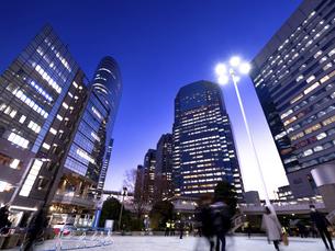 夕暮れの品川駅 東京都の写真素材 [FYI04804163]