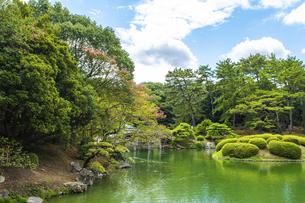 【香川県 高松市】栗林公園の園内の様子 日本庭園の写真素材 [FYI04804689]