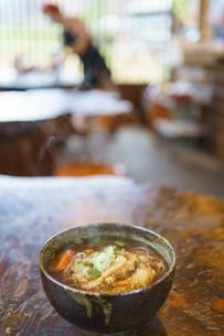 五箇山で食べる白エビ天ソバの写真素材 [FYI04804774]